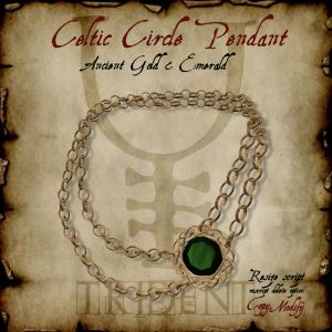Celtic Circle Pendant Gold Emerald HR